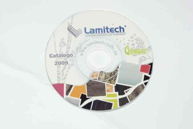 Multicopiado de DVD/CD impresión directa sobre el disco. Se incluye el disco. Pequeñas y g