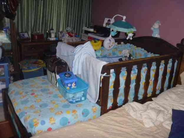 Ni os y bebes cuna corral cama individual a la vez for Vendo cama individual