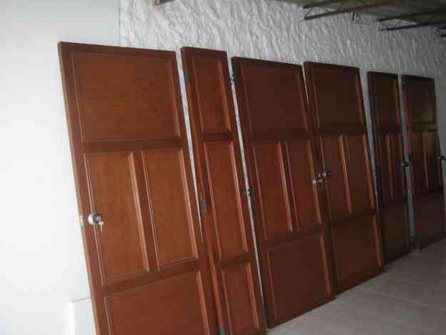 Vendo puertas de madera en cedro caqueta cali hogar for Vendo muebles jardin