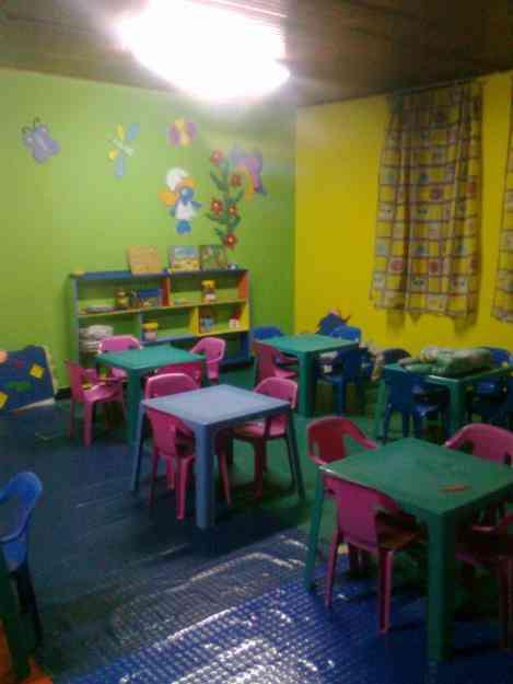 Guarderia y jardin infantil peque os gigantes montessori for Guarderia tu jardin