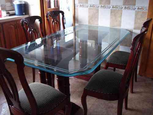 Vendo comedor mesa vidrio 6 sillas madera clasico nuevo for Precios de comedores en vidrio