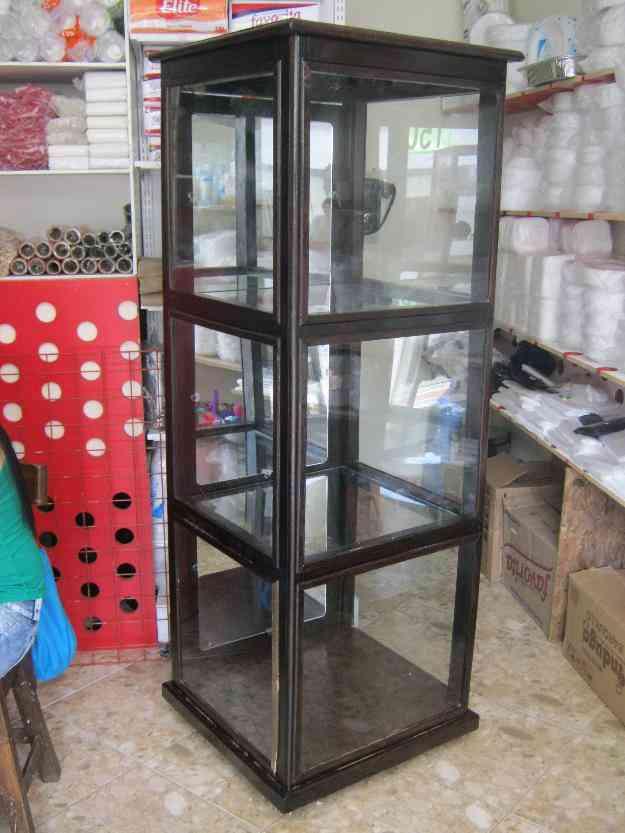 Vitrina exhibidora o bife de madera vidrio y espejos con - Vitrinas de cristal de segunda mano ...