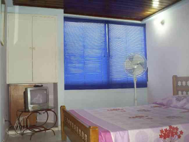 Confortables Habitaciones en Edificio frente al mar