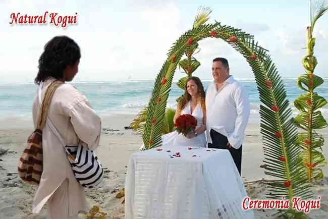 bodas de bodas  matrimoniales  con el mamo  en una playa