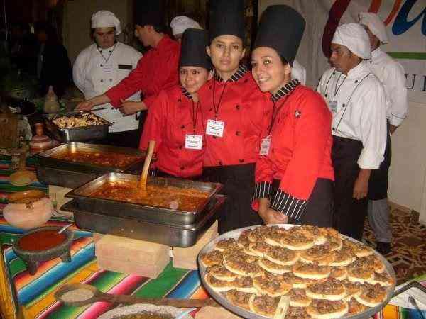 lecnoa $5500 buffet$20,000 asado$20.000  coctel $17.000  para eventos finde año en bogota