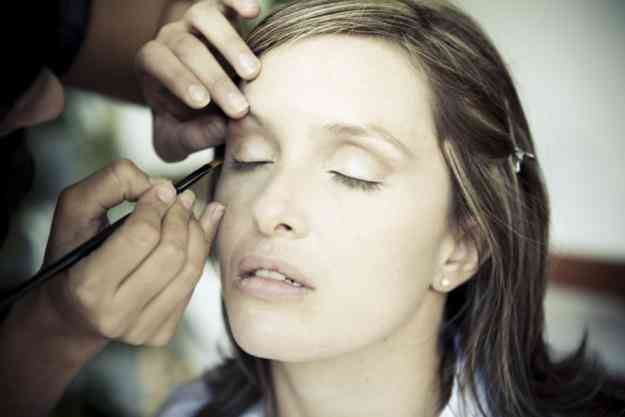 Maquillaje social a domicilio para moda, novias y eventos